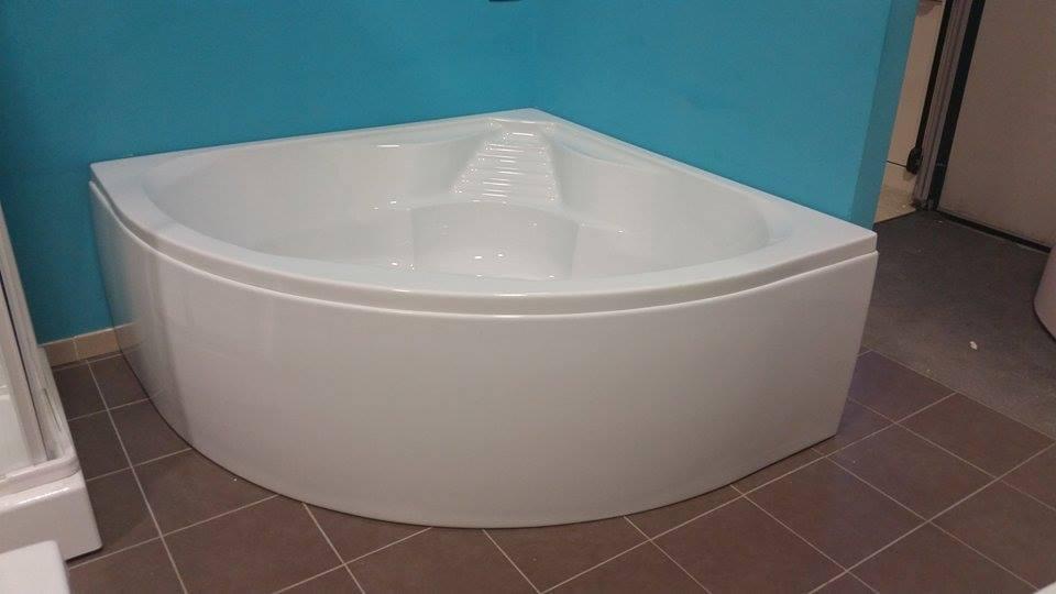 Vasca Da Bagno Angolare 100x100 : Angolare bagno. set completo per stanza da bagno con vasca angolare